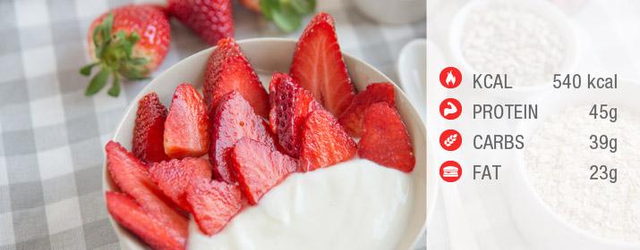 Kokosjoghurt mit Erdbeeren