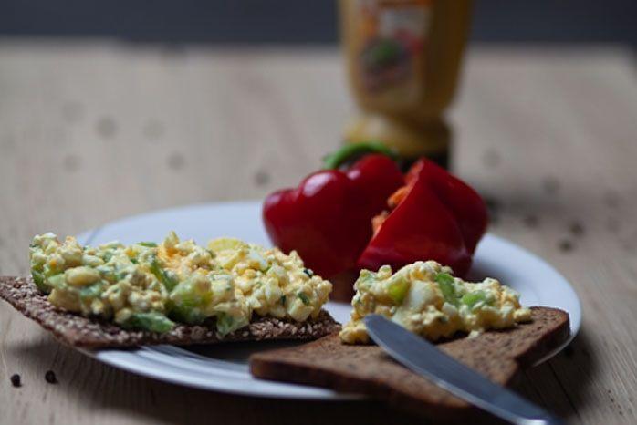 Protein Bio Knäckebrot mit Eieraufstrich