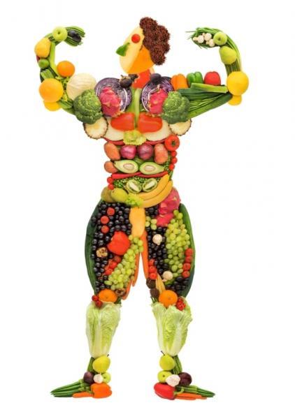 Obst und Gemüse in Form eines Bodybuilders (Quelle: Shutterstock/Fisher Photostudio)