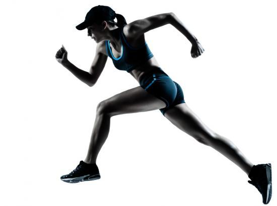 Läuferin beim Sprint (Quelle: Shutterstock/ostill)