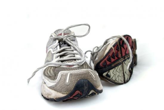 Laufschuhe - Der letzte lange Lauf vor dem Marathon (Quelle: Shutterstock/Dan Thomas Brostrom)